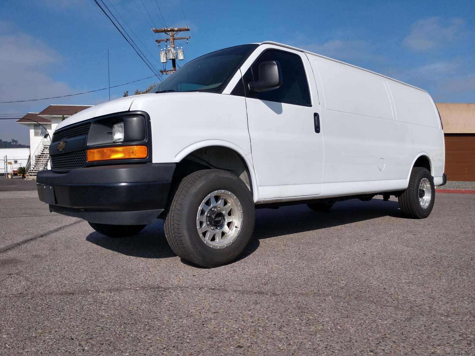 Chevrolet Express Lift Spindle (2003-2017) - WeldTec Designs